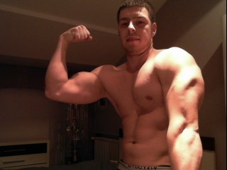 Gay Muscle Cam Master Mike
