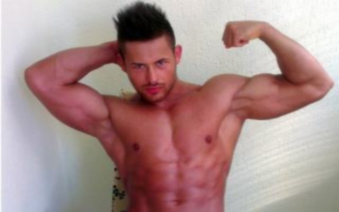 Gay Muscle Dom for Money Slaves